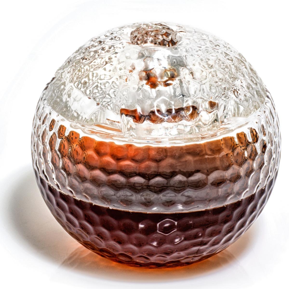 Golf Whiskey Decanter holds 1000 ml of liquor/wine/whiskey