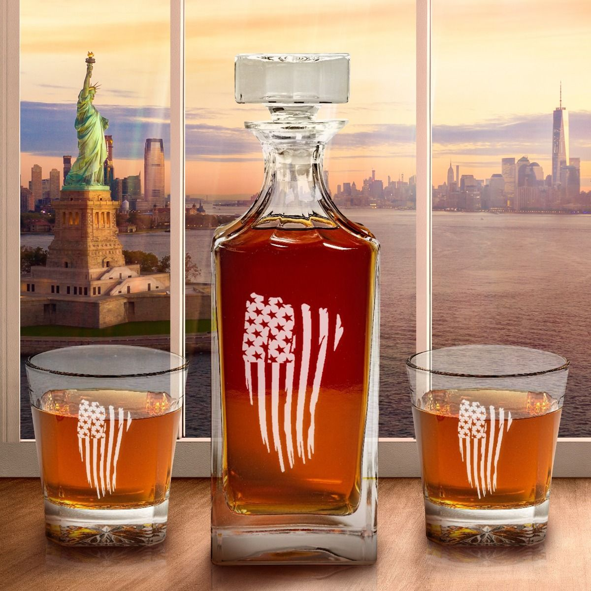 Beautiful Engraved American Flag Decanter Set
