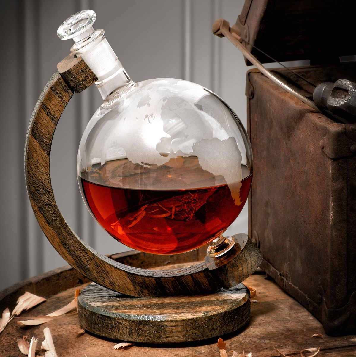 1000ml Etched Glass Globe whiskey decanter bottle
