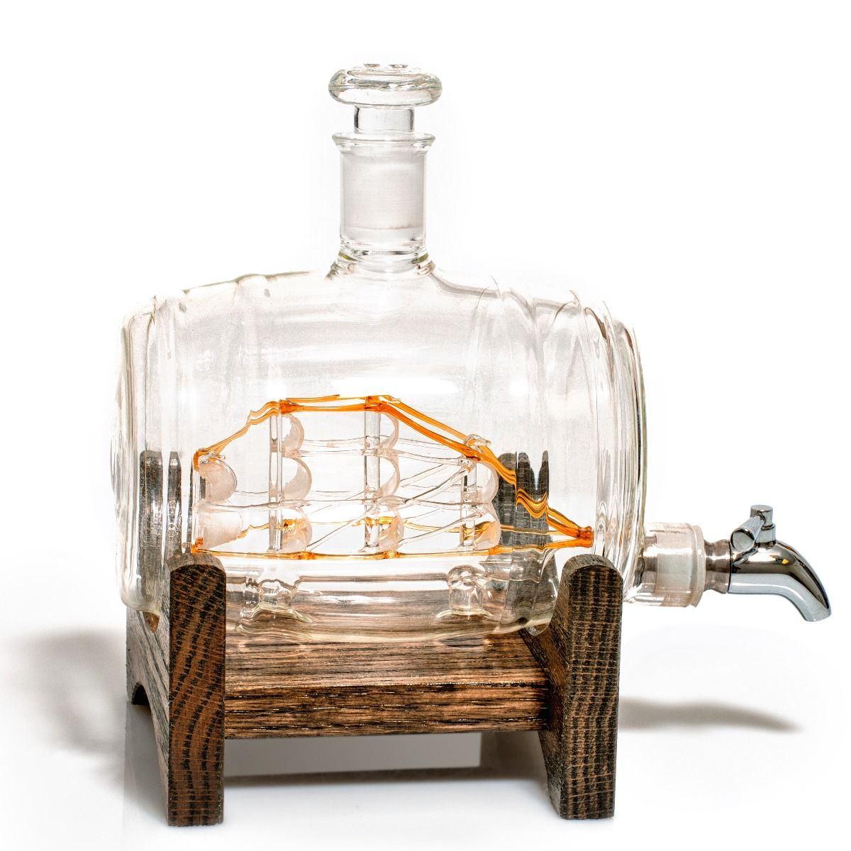 Tomoka Gold Glass Decanter with Wooden Base