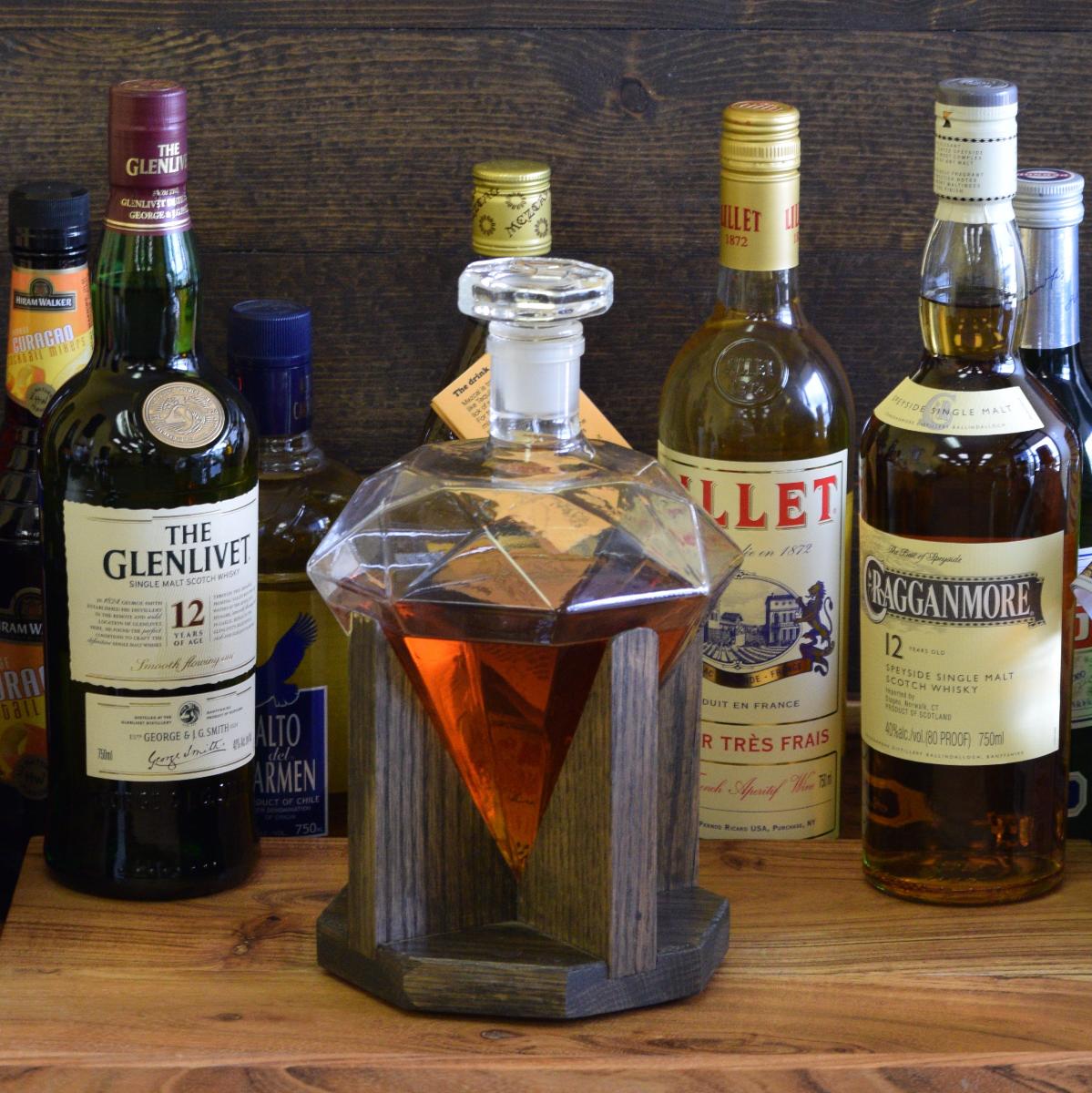 Glass liquor decanter or wine diamond decanter