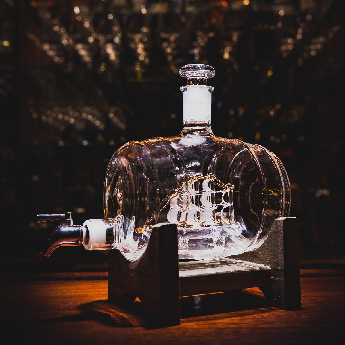Tomoka Gold Decanter, sailing ship whiskey decanter for bar