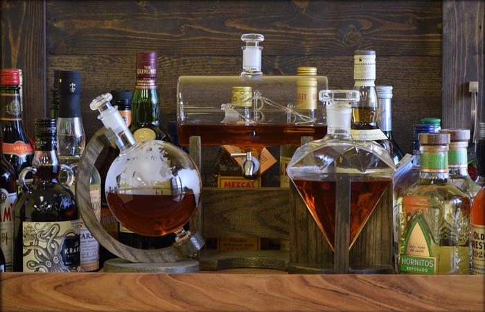 Unusual liquor decanter set