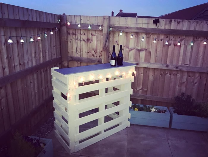 DIY Pallet Bar - Outdoor, Lighted