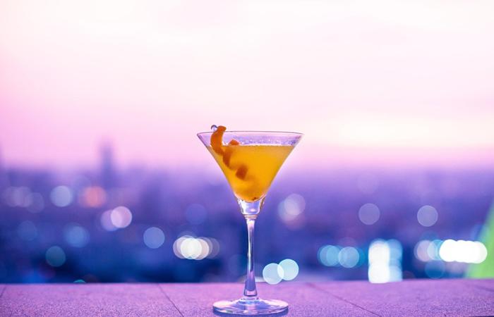Icy Orange Cosmo - Easy Vodka Cocktail