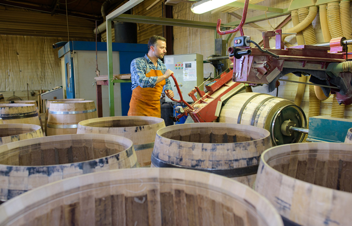 Making a Whiskey Barrel Step 4 - Shaping the Barrel